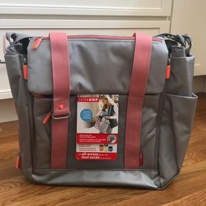 NWT Skip Hop Fit All-Access Diaper Bag - Platinum